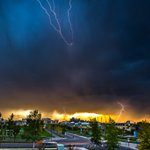 Zipped over to the @mountroyal4u campus for some shots of the electrical storm! #ABStorm #YYC https://t.co/hq7pZR9IMK