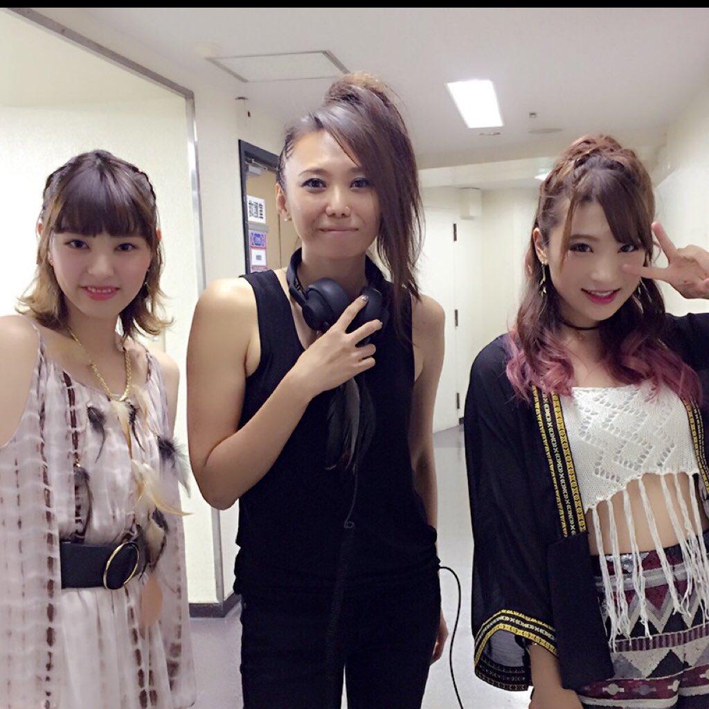 夏焼雅ちゃんの新ユニット PINK CRES.のメンバー 小林ひかるちゃん 二瓶有加ちゃん ヽ(´ー`)  #PINKCRES #ピンクス https://t.co/INeIe2Zi8C