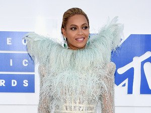 Beyoncé steals the show at MTV Video Music Awards as she makes history!