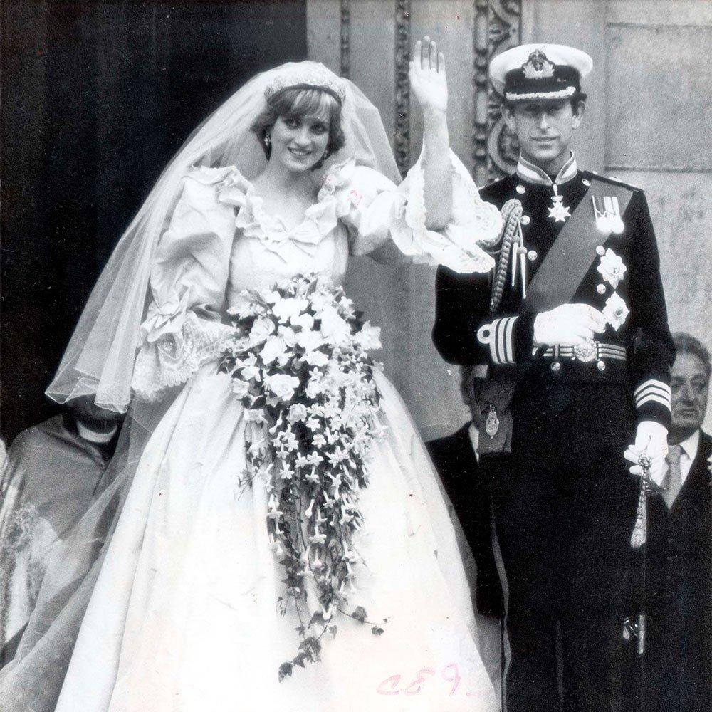 Why The Man Who Made Princess Diana S Wedding Dress Ripped Up His Sketches: Princess Diana Wedding Dress At Reisefeber.org