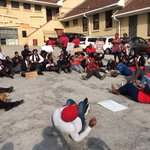 Situation at #LawsonBrownHighSchool #BlackHairMatters https://t.co/Sc6oRw5eaL