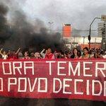 redebrasilatual: PROTESTO Contra o golpe e por Fora Temer, MTST faz bloqueios em SP e RS https://t.co/XYC5EZS7a5 https://t.co/tou9Z8s0qX