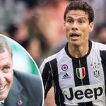 Report: Celtic in talks with Juventus for Brazil ace Hernanes https://t.co/0RKL4rDMnp #Celtic https://t.co/7wgT5Q2YXO