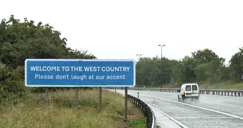 Welcome to the West country - Please do not laugh at our accent #Bristol #banksy #westcountry https://t.co/pdZeOuc2si