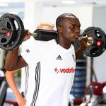 Yeni transferimiz Vincent Aboubakar, takımımızla ilk çalışmasına çıktı. #Beşiktaş https://t.co/LCgYcZq931