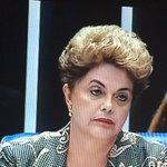 Hoje eu tô só a Dilma ouvindo a pergunta de Aécio https://t.co/ZSRxeshsl2