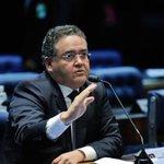 Democracia no ralo: Roberto Rocha (PSB-MA) receberá uma Diretoria no Banco do Nordeste em troca de seu voto. https://t.co/W6wLjSv29K