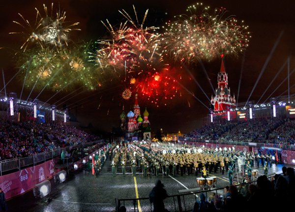 """From Aug. 27 to Sept. 4, #RedSquare hosts the """"Spasskaya Tower"""" Military Music Fes ..."""