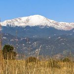 Morning view of Pikes Peak. Its so beautiful with snow on it! Photo by: J.R. Garcia @KKTV11News #cowx #kktv https://t.co/UnErXUc8V5
