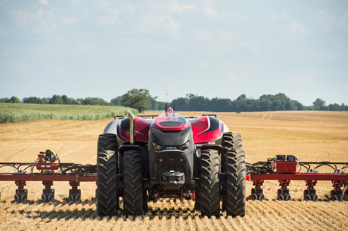 PHOTOS: Autonomous driverless tractor concept vehicle unveiled by Case IH at today's @FPShow in Boone, Iowa, USA https://t.co/wycnmlBZFt