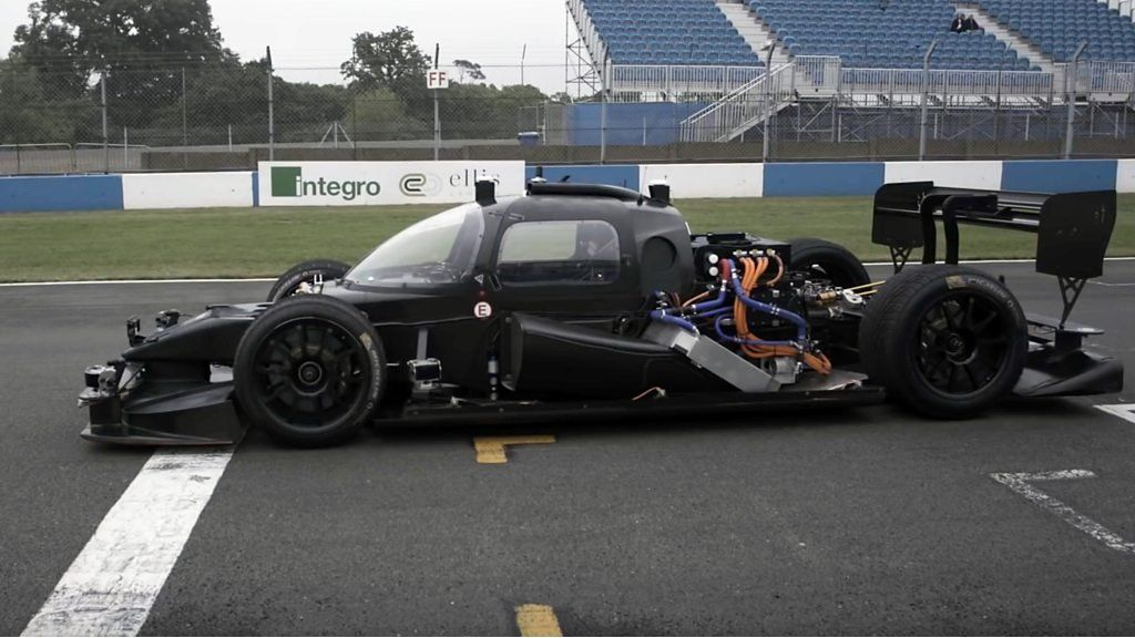 Exciting to see driverless race car Devbot from London-based @kinetikvc complete first lap! https://t.co/WeoK0oWKIA https://t.co/1I5Zjufcjv