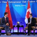 PM Trudeau is greeted by Alibaba's Jack Ma, Chairman of the China Entrepreneur Club, for a Q&A session. https://t.co/xAWTBIGNbF