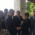 El Canciller @MiguelVargasM en su llegada Haití, reciben la embajada dominicana en Haití, #CancillerRDenHaití https://t.co/ji3PrjyA46