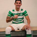 New Bhoy @Cris_GamboaCR Looking very happy in the Green & white hoops. . https://t.co/YM9193G4Yk