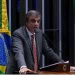 """Janaína diz que fez tudo """"pensando nos netos"""" de Dilma. Cardozo respondeu duramente: https://t.co/MqQBzJO27u https://t.co/JSLESIuJWc"""