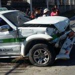 Tres mujeres y un niño resultaron lesionados en accidente en #Gualaceo #Azuay. Fueron llevados a una casa de salud. https://t.co/1bSwJVLMMm