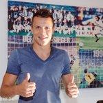 Guckt mal, Yevhen #Konoplyanka ist bereits auf #Schalke. Weitere Infos folgen... #S04 https://t.co/ZKrFGfeFsb