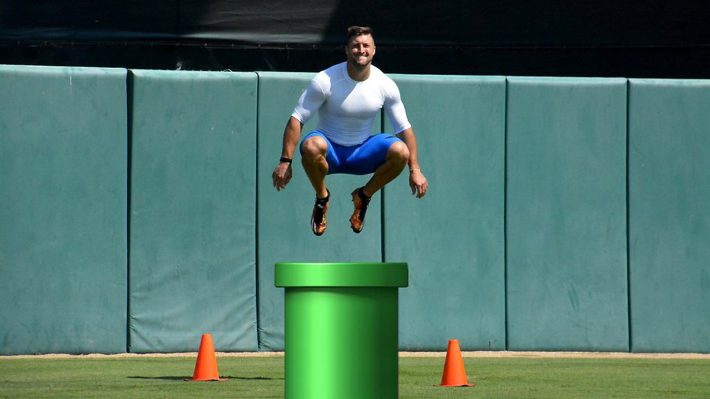 Tim Tebow warping into MLB like ... https://t.co/AULU4fH9TH