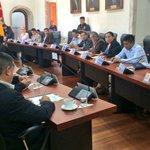 | @arovalino, Dir. @IndustriasCue, expone ante la #CámaraProvincial iniciativa de competitividad https://t.co/mHxWNgryJX | @AzuayPrefectura