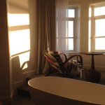 A bath with a view #Harbourhotel #Brighton https://t.co/72B9aEfXul