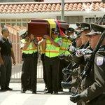 En #Cuenca, @PoliciaEcuador rinde homenaje póstumo a Carlos Armijos, policía q falleció en accidente de tránsito https://t.co/LiNYjWZTn3