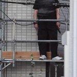 【和歌山発砲】警察の特殊部隊…立て籠もり男「1階のおじいさんを避難させろ!」 2階住民は雨どい伝い自力脱出 - 産経ニュース https://t.co/rPdvvoIeNV @SankeiNews_WESTさんから https://t.co/746qOcqW3E