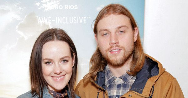Hunger Games star Jena Malone and Ethan DeLorenzo are engaged: