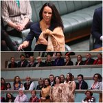 Linda Burney gives her first speech while Wiradjuri kinsmen sing an acknowledgement from the gallery @gabriellechan https://t.co/91Z3ufbwFw