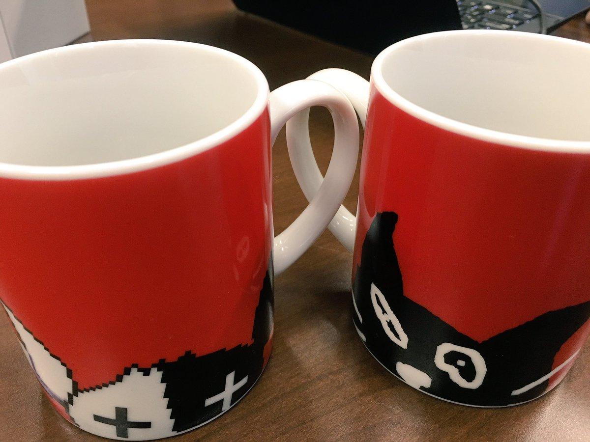 全身イベントのグッズ2種はこんな感じになりました、頑張ってデザインしたよ!マグカップとマスキングテープセット!! マグカップの絵は表と裏です、テープは実物はまだ無いのでこんな感じで使えるよってやつ。 日用に使える系2種よろしく!! https://t.co/bBwkNzfy7S