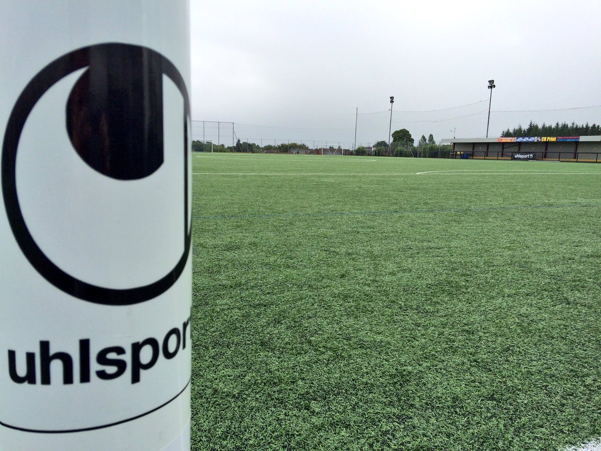 We're with @Uhlsportuk today checking out some new gear with some special guests! https://t.co/6noaQYN90F
