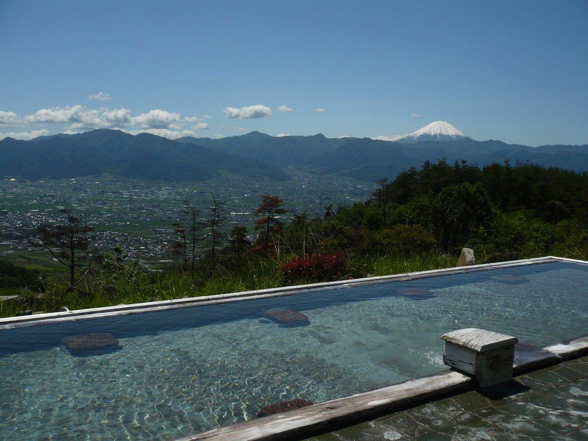 【新規】ほったらかし温泉の新温泉づくりファンド 年間40万人が訪れる山梨県の「ほったらかし温泉」。富士の頂を望み、眼下には甲府盆地が広がる絶景の露天風呂に新たな温泉施設を建設します。 https://t.co/V89bVvaIH4 https://t.co/ya3IX8SnyL