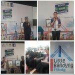 Pemkot resmi MOU dgn Facebook Inc utk bantu 300 ribu pelaku UMKM Bandung tembus pasar MEA dgn digital economy #F4BDG https://t.co/ttOaDXDDu6