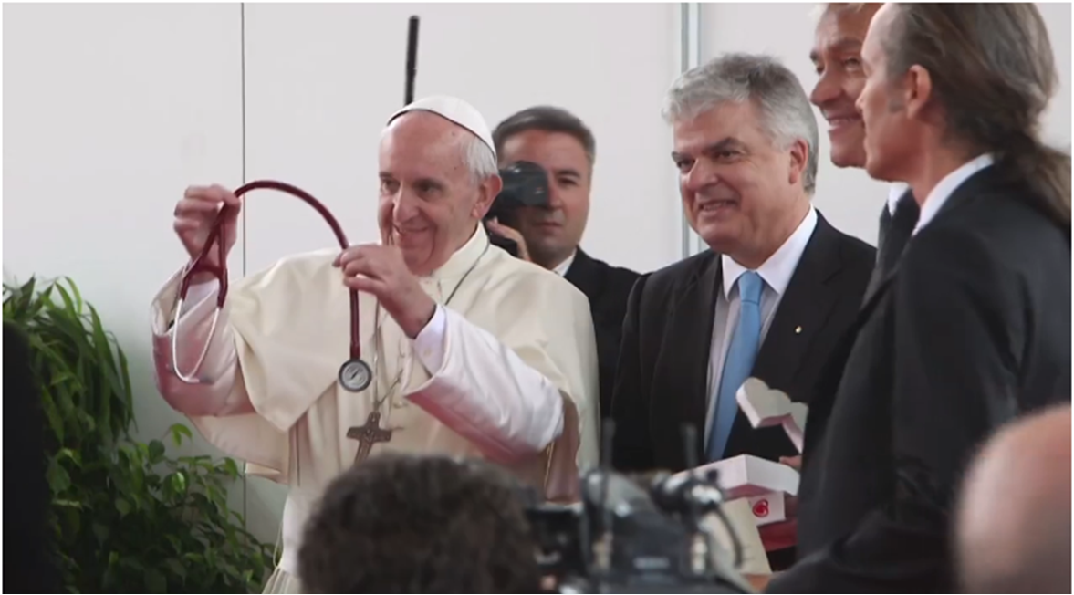 The Papal Stethoscope --  A gift to Pope Francis at the close of #esccongress  2016 https://t.co/QNVYhS2HQd https://t.co/GSWGrYZRsX