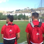 Los jugadores de #Osasuna ya están inspeccionando el campo de Santa Cruz. A las 18:00 h. nos medimos al @cdnumancia. https://t.co/q4Fez0DkWU