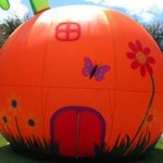 Step inside a giant inflatable peach at Roald Dahl celebration in #Manchester https://t.co/OdCQVR4Ipa #Manchester https://t.co/28p6e0z1FI
