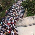 #Gabon2016 La population marche vers la CENAP réclamer la publication des vrais résultats des urnes (3 morts ) https://t.co/PC52imzPId