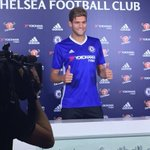 First images of Marcos Alonso in a Chelsea shirt. (via @efabascalUK) #CFC #Fiorentina #DeadlineDay https://t.co/UVX9qpxsrV