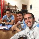Mateando en el complejo celeste con @Cebo_Rodriguez y @federicca4 ! En un rato salimos para Mendoza! https://t.co/TNY8FDmD8t