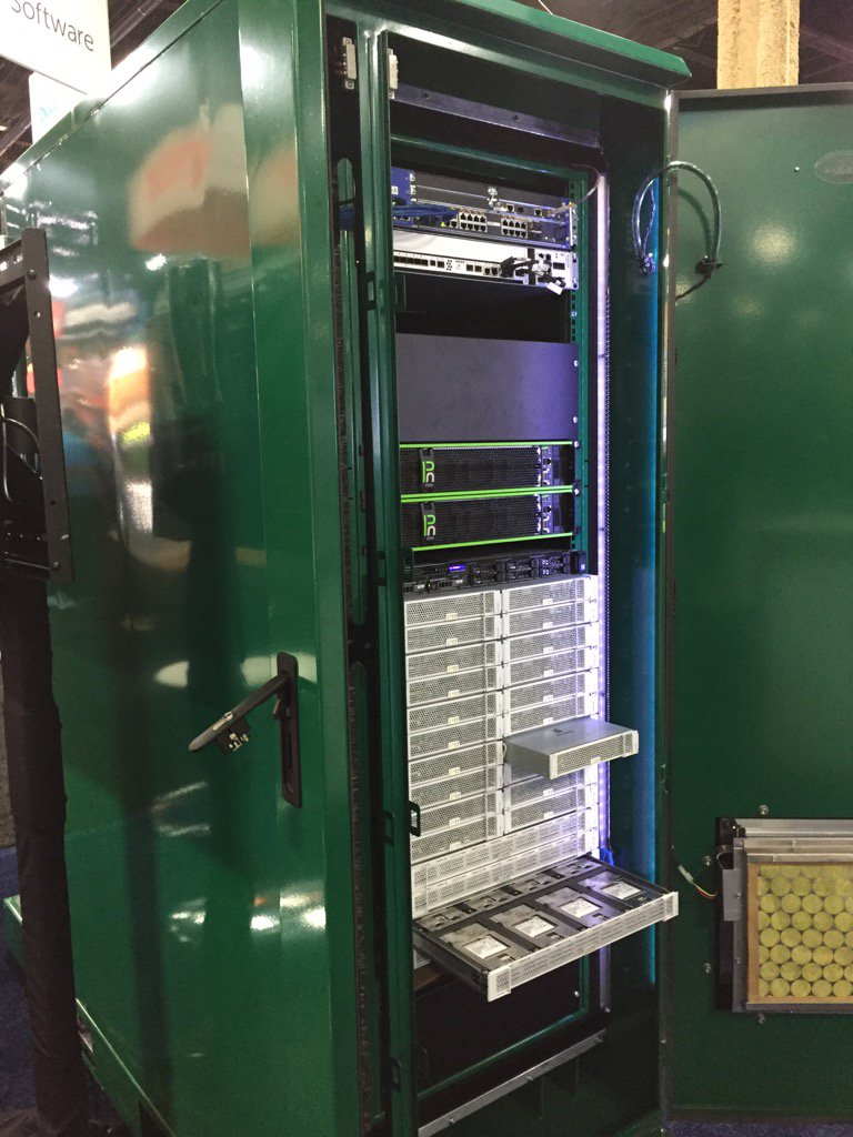 Folks, the @ericsson HDS 8000 in all its glory - love the tag: we turn hype into scale #VMworld https://t.co/gQlvcllAT6