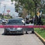 #AlertaVial ⚠ Bulevares J. Clouthier y Juan Alonso sin paso por balacera en Plaza en Mayor https://t.co/BsBY3M4bNR https://t.co/WrKUSx3HxP