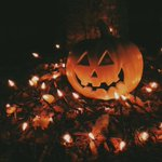 IM SO READY FOR FALL AND PUMPKINS AND FLANNELS AND SCARY MOVIES AND PRETTY LEAVES 🍂🎃 https://t.co/0aYoA8kqUz
