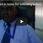 AP officer arrested for taking bribe from chang'aa seller in Meru - VIDEO. https://t.co/O8wvz4KCG2 https://t.co/FE3dIBD8Ee