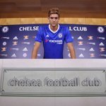 Photo confirmation [3] of Marcos Alonsos £23m move to Chelsea. (Source: @marcosalonso03) https://t.co/6WP9PcgMCB