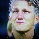 [#Allemagne🇩🇪] Lémotion de Bastian Schweinsteiger pour sa dernière sélection avec lAllemagne ! #Respect https://t.co/H1V8tGgLuR