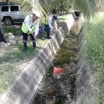 Limpieza en canal pluvial Col. Chairel #Tampico https://t.co/QTFEeAM008
