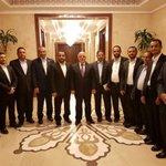 وفد اليمن يلتقي رئيس وزراء العراق حيدر العبادي في بغداد بحضور النائب يحيى بدر الدين الحوثي ومحمد عبد السلام https://t.co/r630I2VpeP