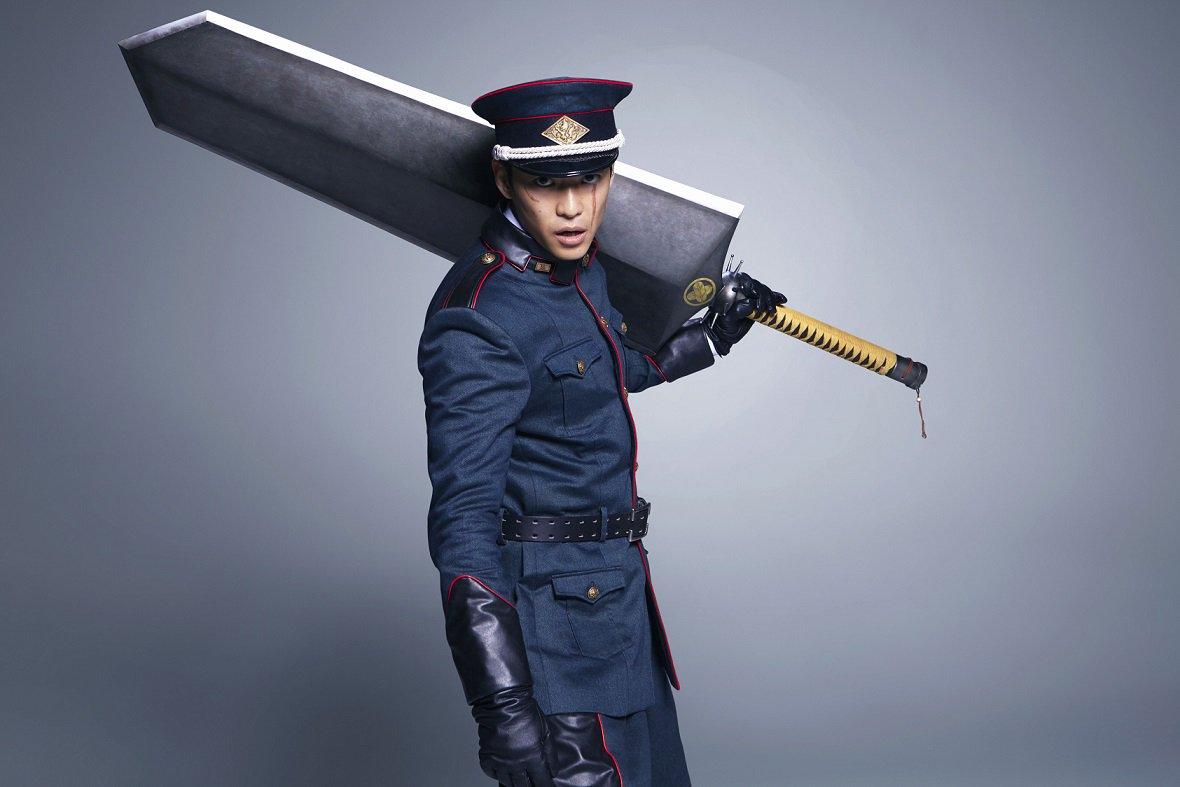 ◆鷹峯誠一郎役の大東駿介さんコメント「自分が出演できるなら、鷹峯を演じたいと思っていました。かなり重量のある斬馬刀の扱い