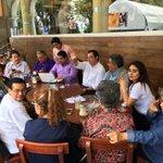 De regreso a la oficina después de inaugurar la Av. Orizaba @americozuniga saluda a amigos de medios de comunicación https://t.co/OrpSU9zoZt