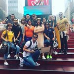 #SerTenKyondiAnMORE LizQuen with ASAP artists and staffs at New York Times Square! #PushAwardsLizQuens https://t.co/yfRIugN4bH