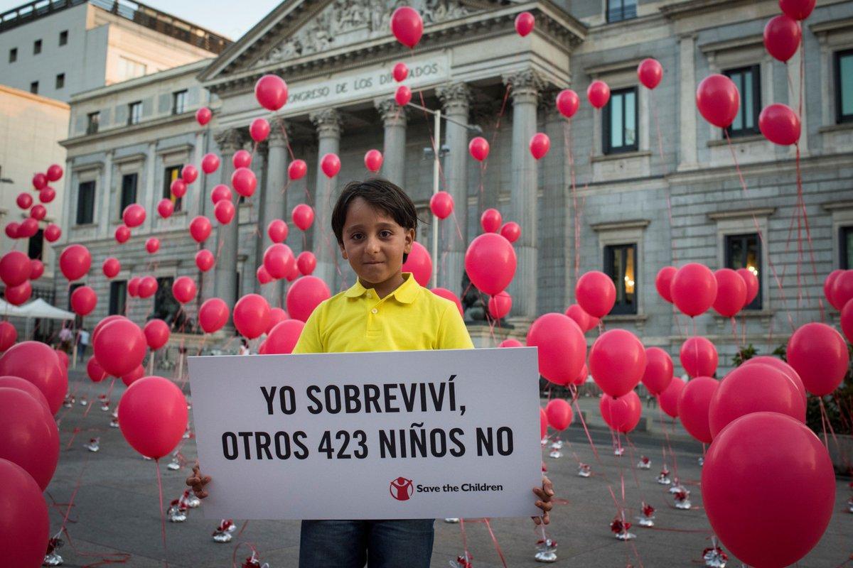 Desde la muerte de Aylan, 423 niños han muerto ahogados. Hoy hemos pedido #VíasSeguras Firma https://t.co/molxIOY12q https://t.co/pMeQBBYkZH